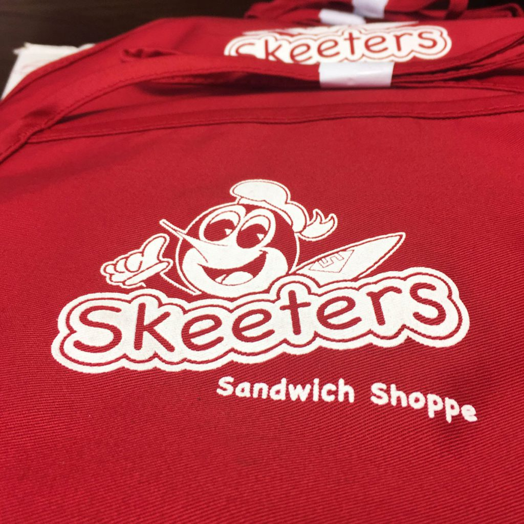johnny-d-tees-skeeters-aprons